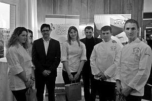 Les finalistes du trophée France Québec en présence de Roland roland Tonarelli des Foies gras Soulard et de Christopher Hache, chef du Crillon
