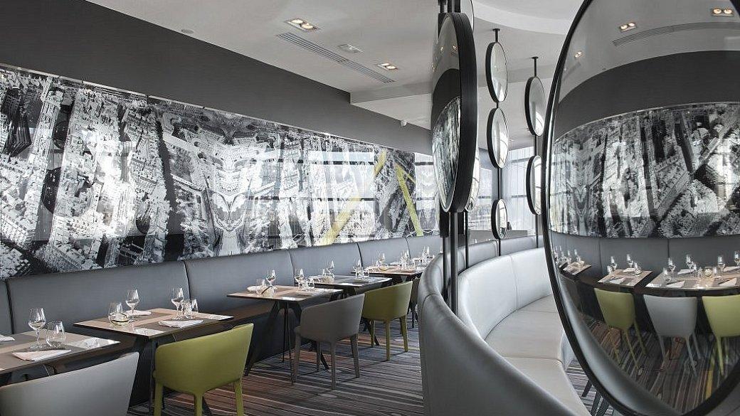 Le miroir plus qu une vue sur la d fense lecoq gourmand for Restaurant le miroir paris